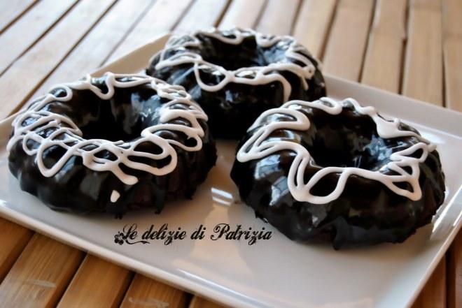 Tortini cioccolato e rhum con doppia glassa