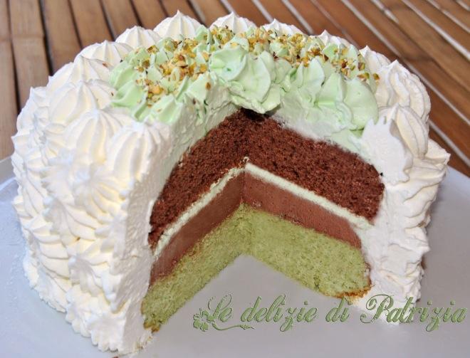 Torta pistacchio-cacao con panna e ganache