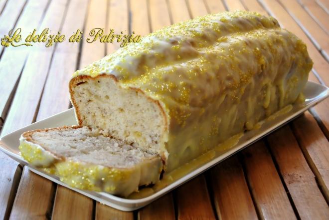 Plumcake alla banana con glassa al limoncello