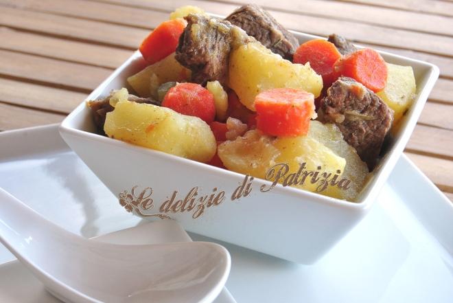 Stufato di manzo con patate e carote