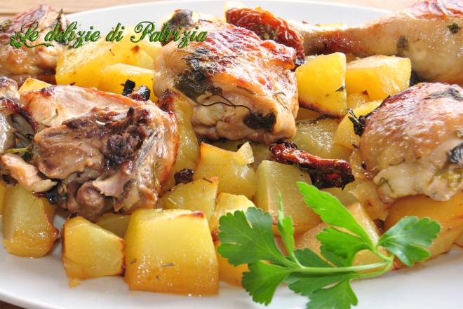 Pollo marinato e patate al forno