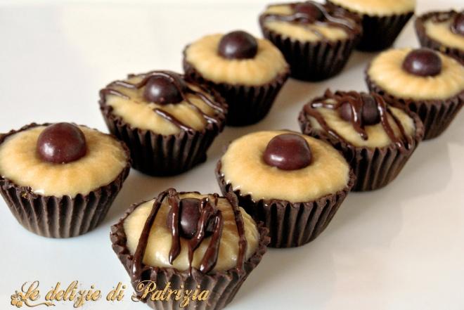 Pirottini di cioccolato ripieni di mou