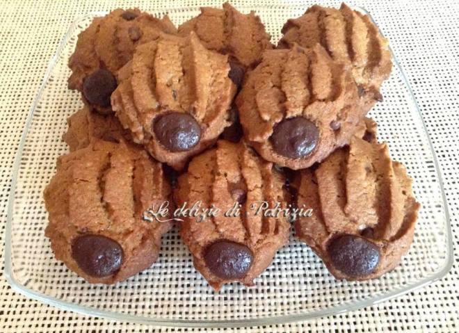 Biscotti al caffè con gocce di cioccolato