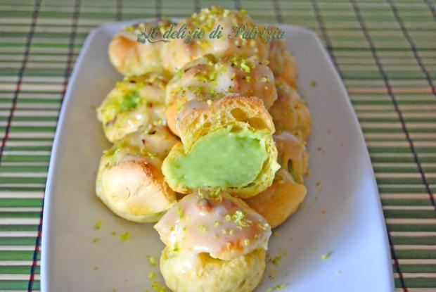 Bignè con crema al pistacchio