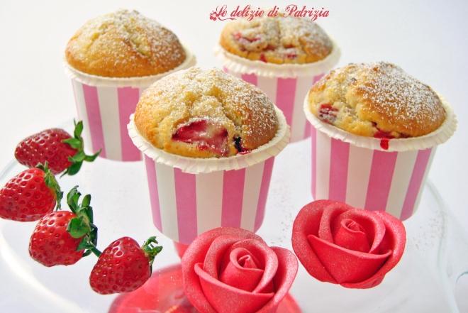 Muffins allo yogurt, fragole e limone