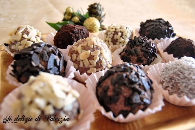 Tartufini di ricotta con cacao e cocco
