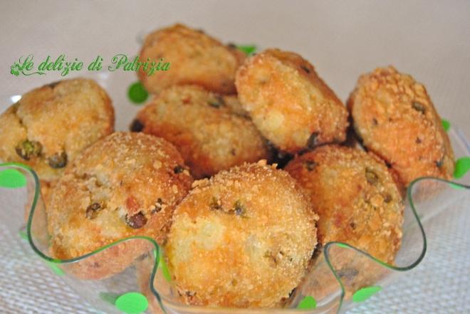 Crocchette di patate , piselli e menta
