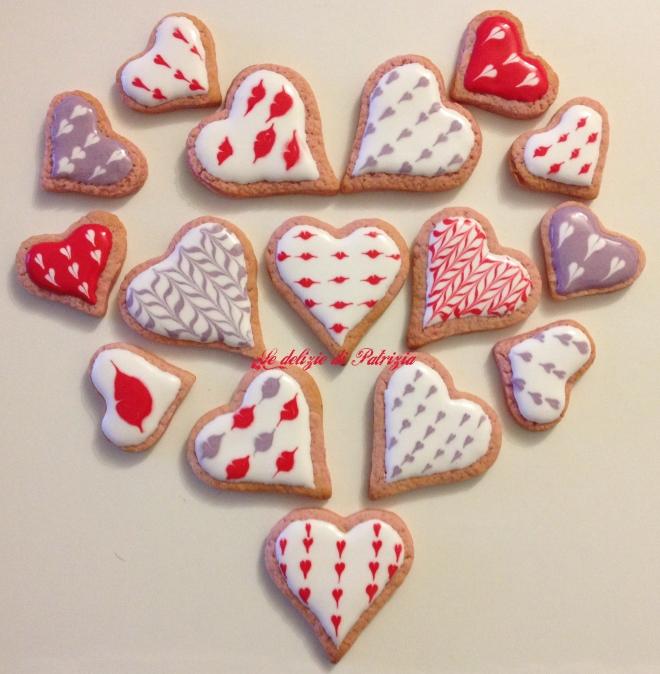 Biscotti di San Valentino glassati