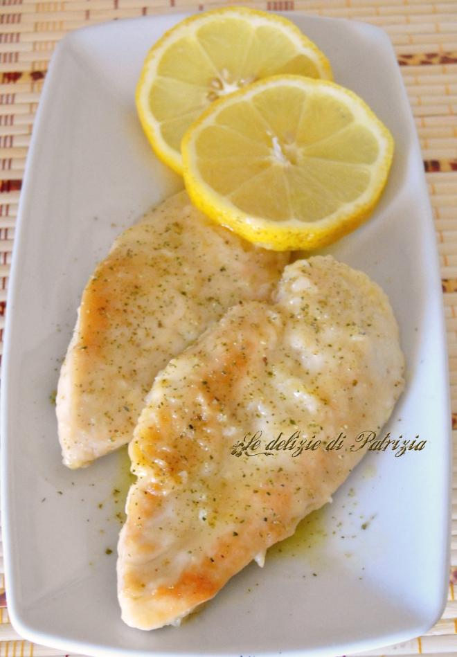 Scaloppe di pollo al limone con pepe verde