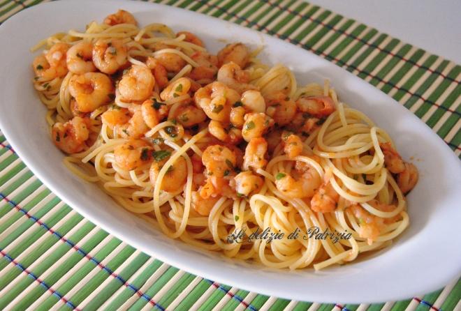 Spaghetti ai gamberetti con sugo piccante