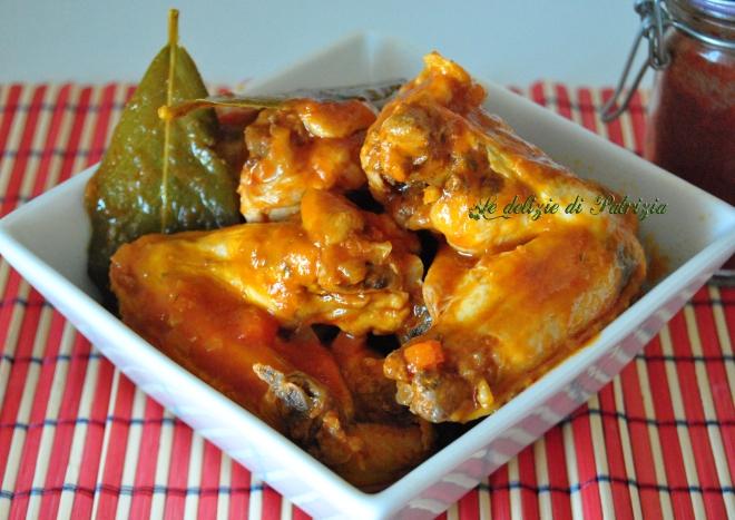 Ali di pollo in salsa piccante alla paprika