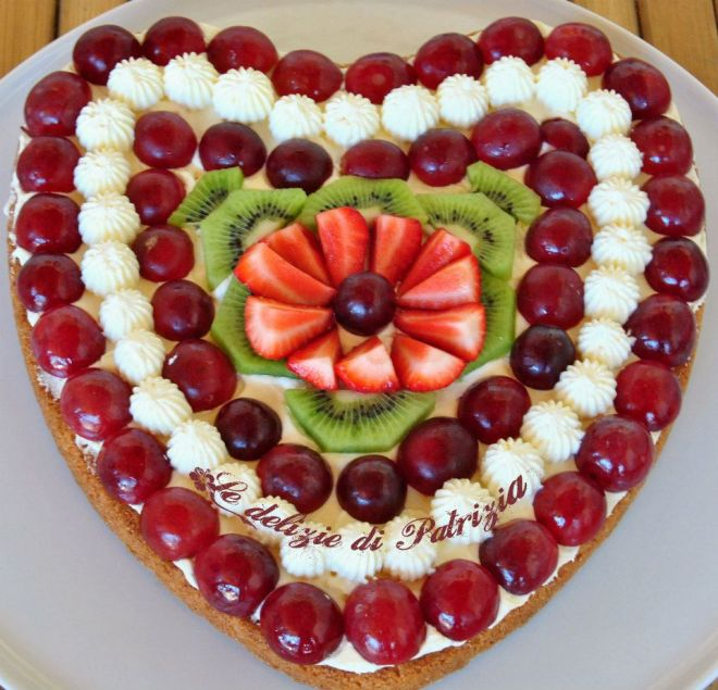 Crostata di frutta e crema diplomatica