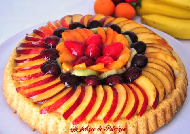 Crostata morbida con crema pasticcera e frutta