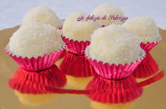 Tartufini bianchi con cioccolato e cocco
