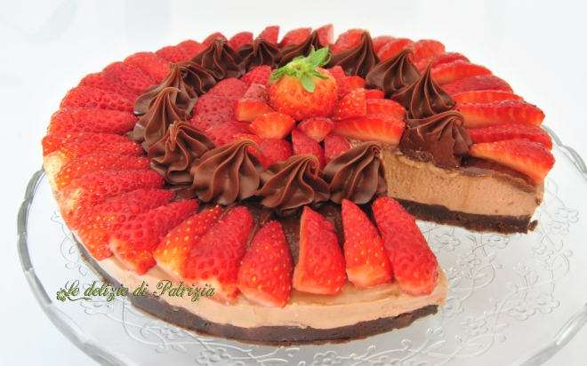 Cheesecake con fragole e nutella