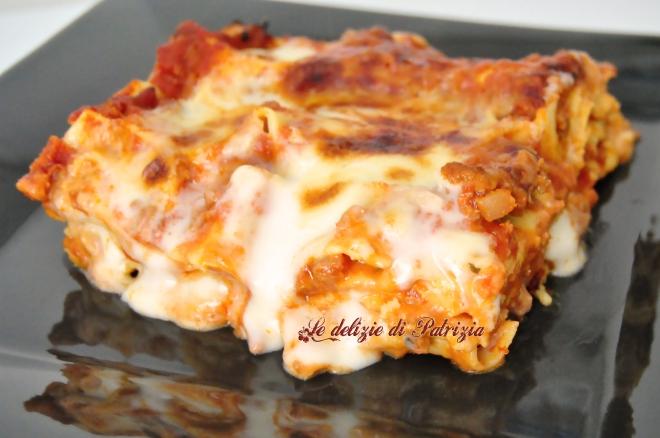 Lasagne con ragù alla bolognese e besciamella