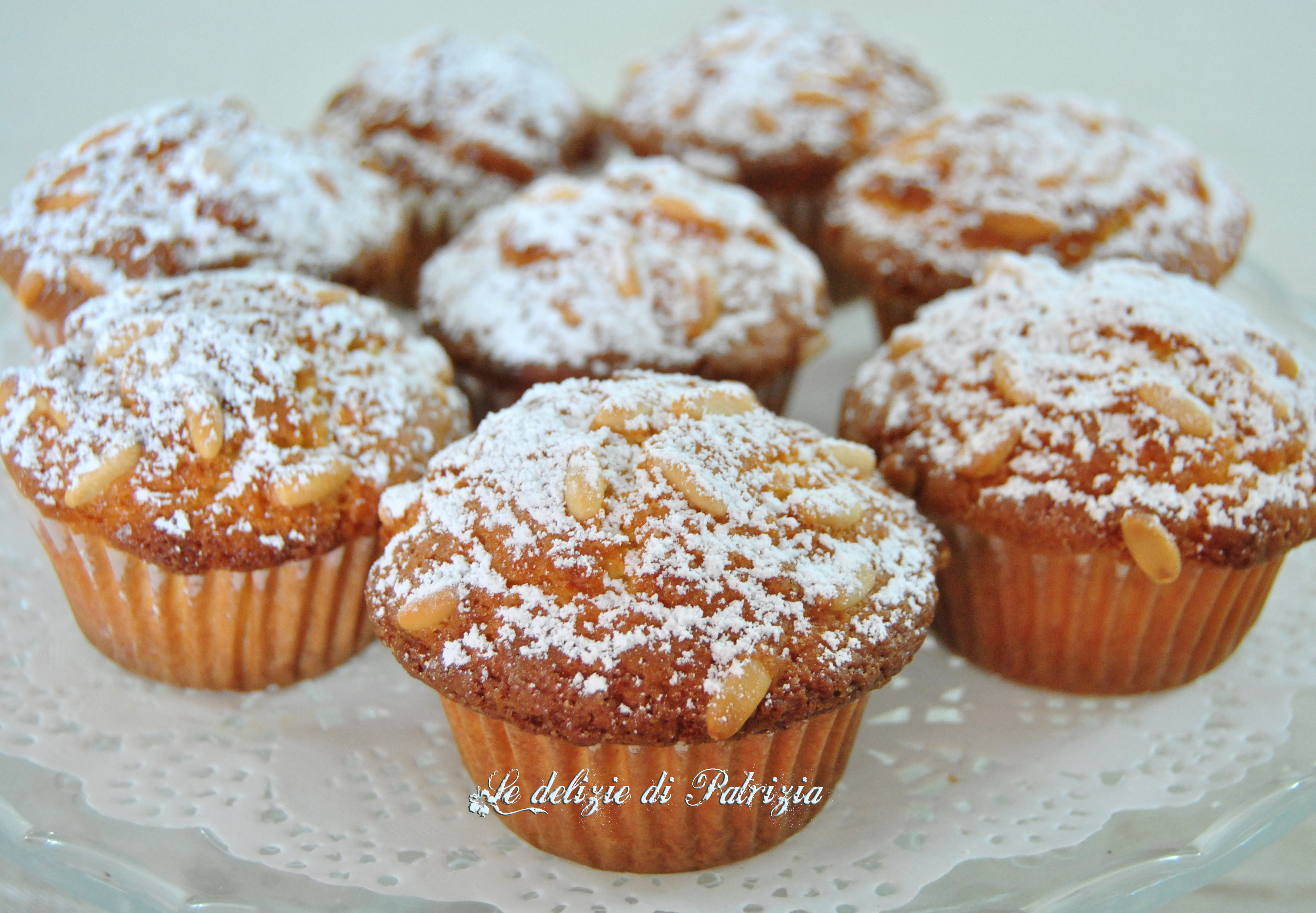 Muffins con arancia e pinoli